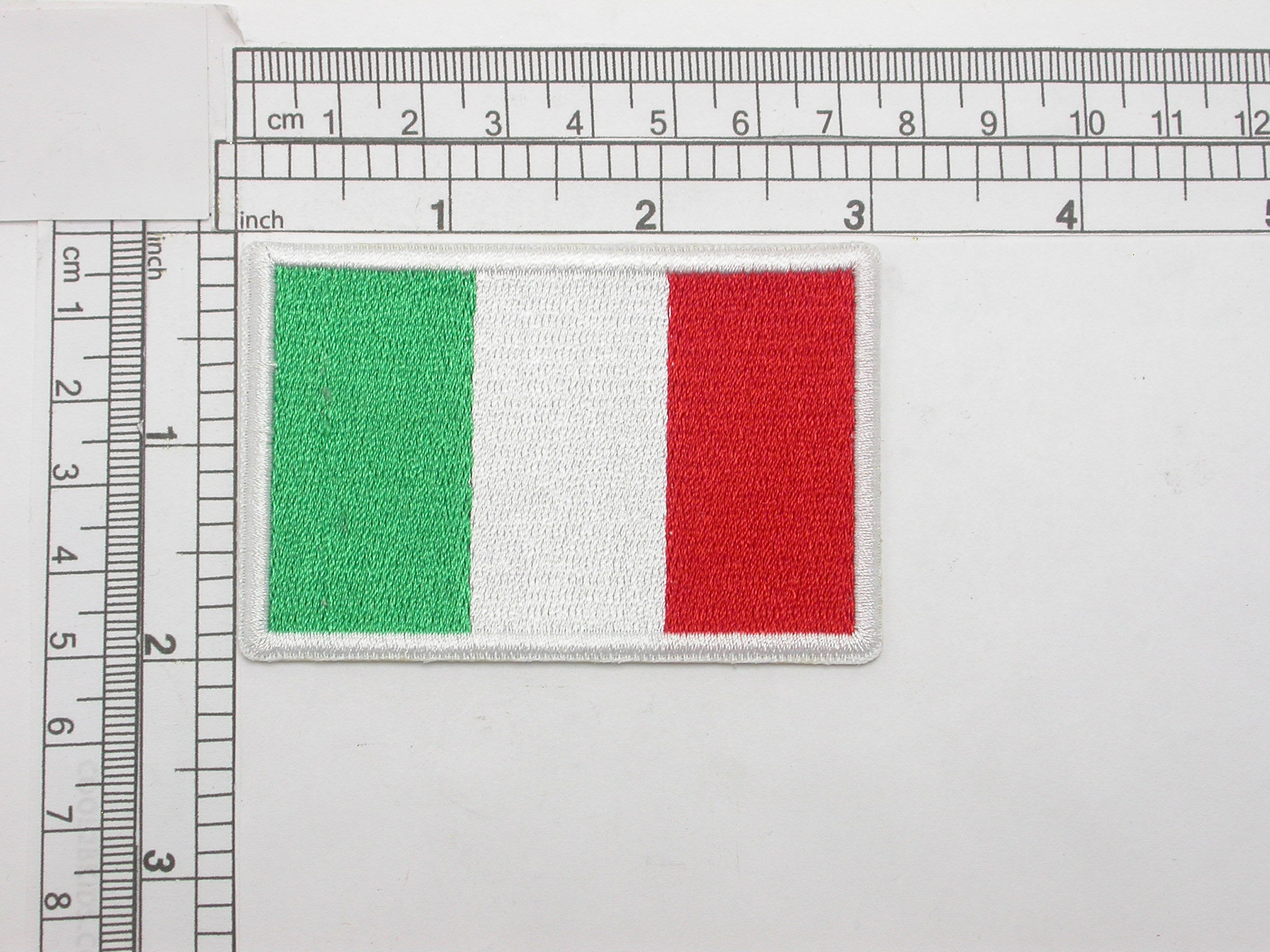 """Italy Flag Embroidered Iron On Patch Applique Italia  3"""" x 2""""  (76mm x 51mm) approx"""