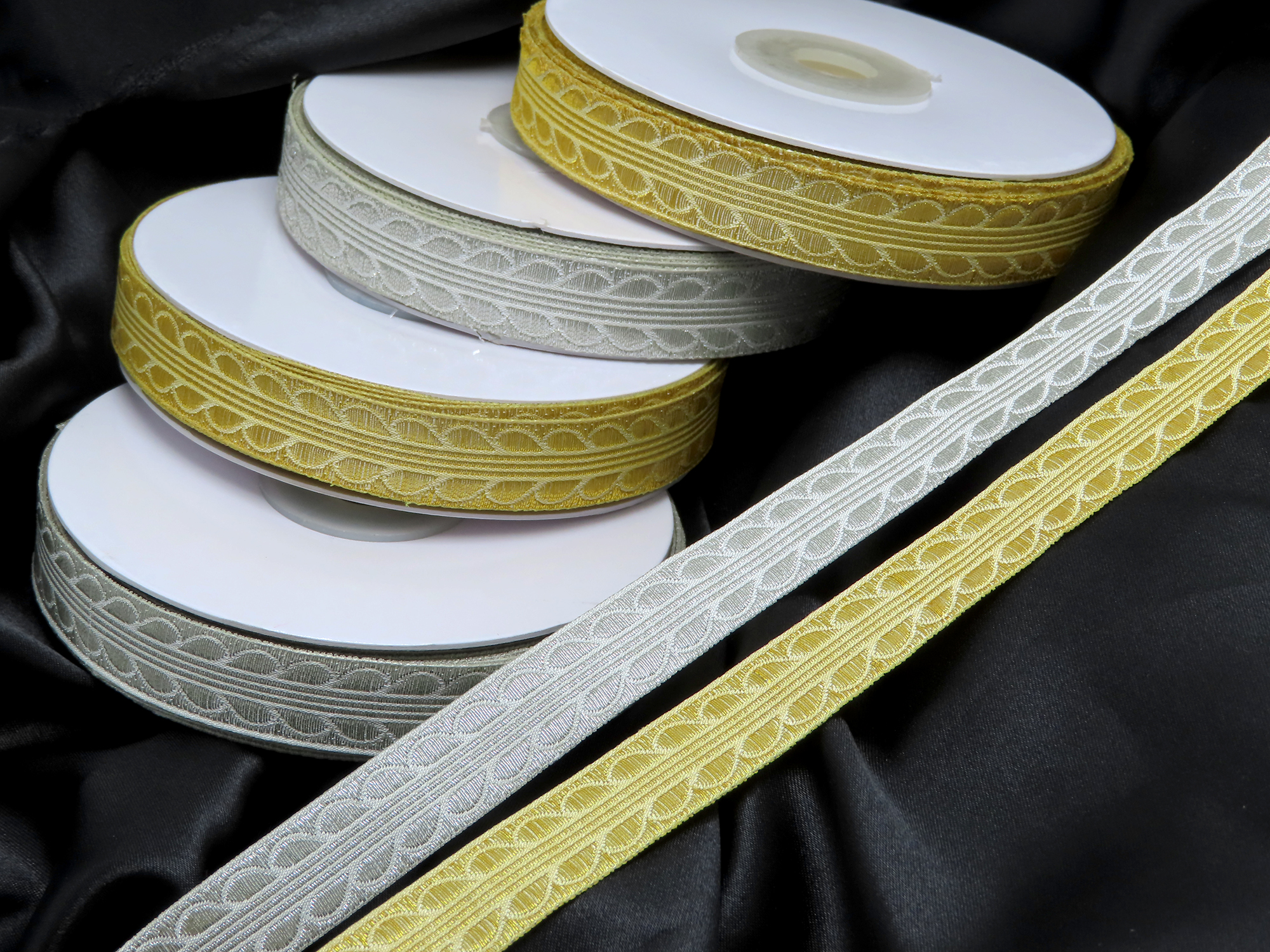 """Jacquard Ribbon 5/8"""" (16mm) 18 mtr roll Gold or Silver  excellent Composition for liturgical bOrder"""