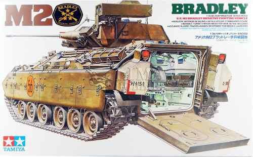 Tamiya - 1/35 US M2 Bradley IFV WWII Plastic Model Kit [35132]