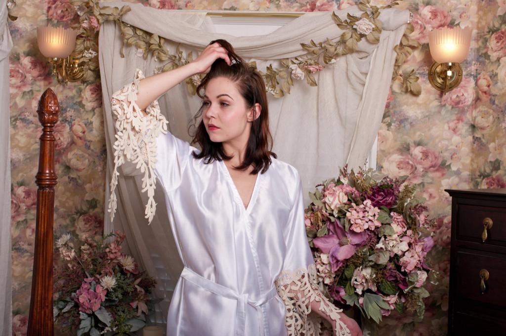 White Silk Lace Floral Tassels Bridal Robe