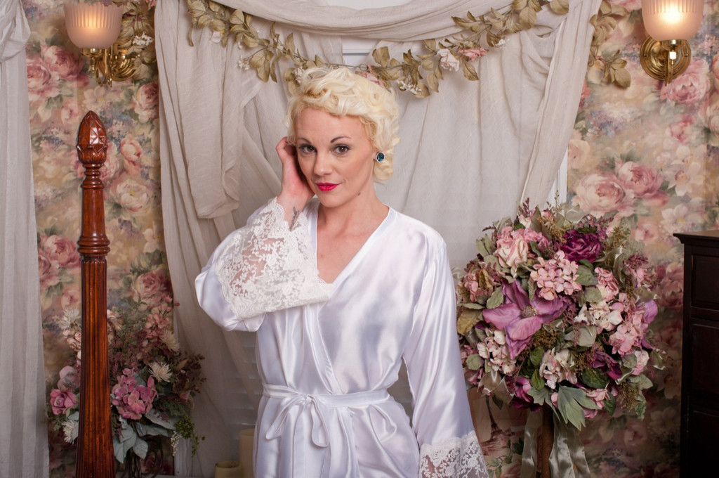 White Silk Lace Tissue Bridal Robe