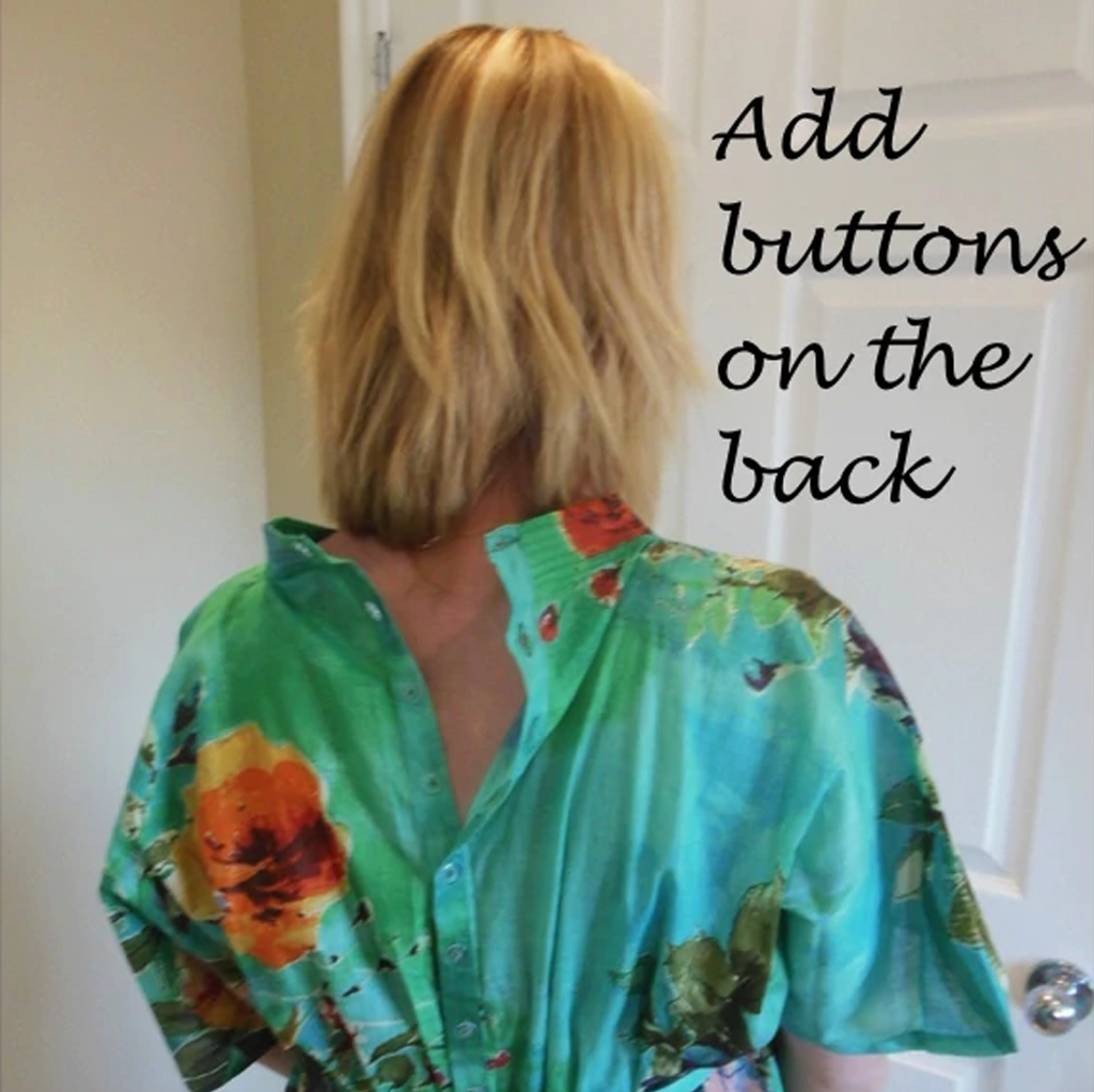Add buttons on the back of your delivery robe