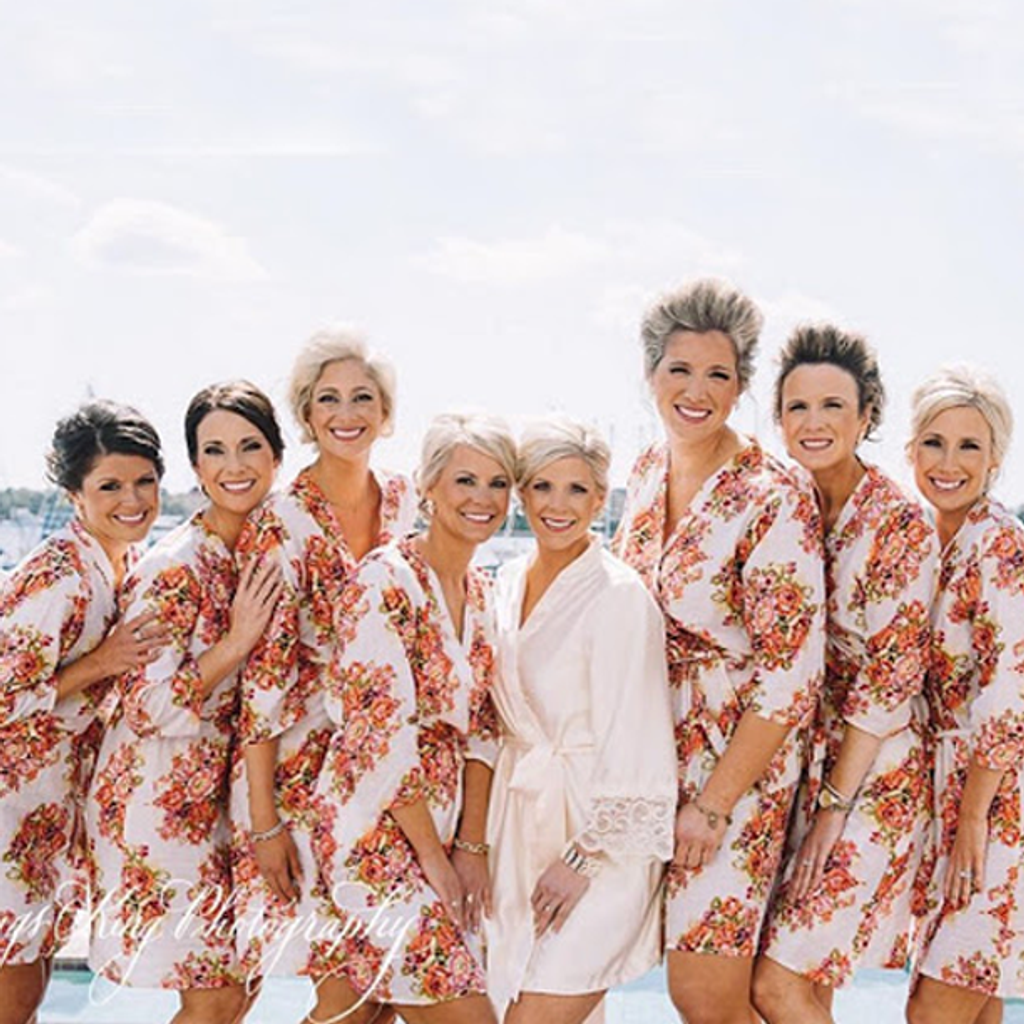 Set of 8 Bridesmaids Roes in White Floral Posy- Floral wedding Robes