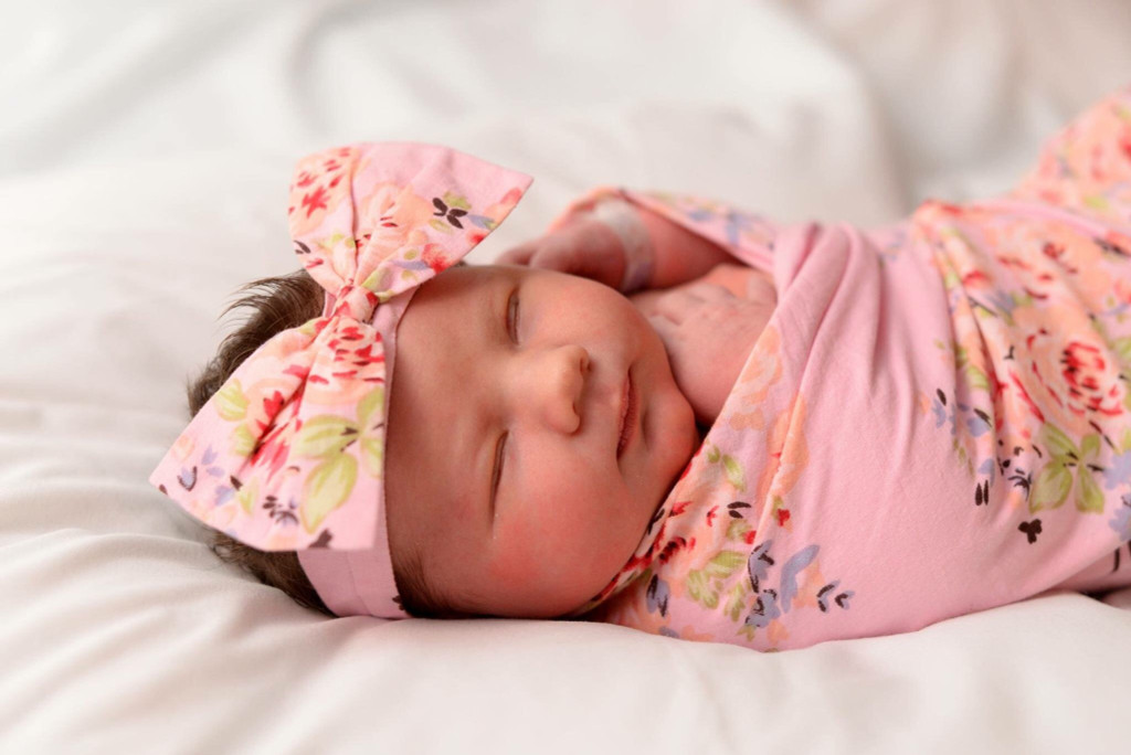 Set of Swaddle + Baby Headband - Pink Faded Flowers Pattern