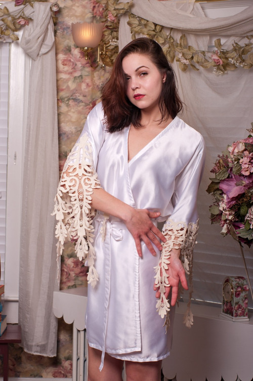 White Silk Lace Floral Tassels Bridal Robe