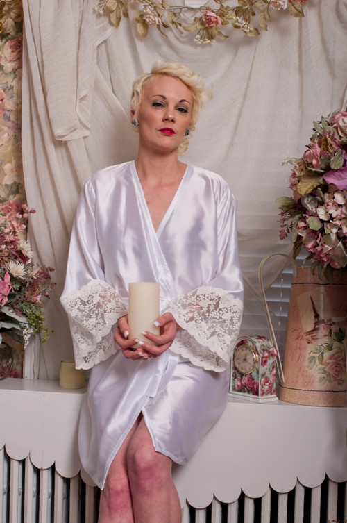 White Silk Lace Tissue Bridal Robe
