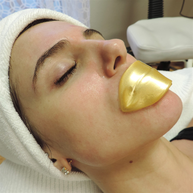 Love Your Lips 24 K Gold Firming Infusion Mask