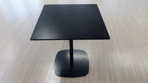 Low Black Square Table (E8E-8E4-31E)