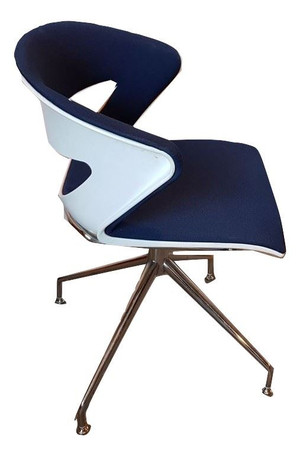 Blue and White Swivel Chair (BCF-5A5-802)