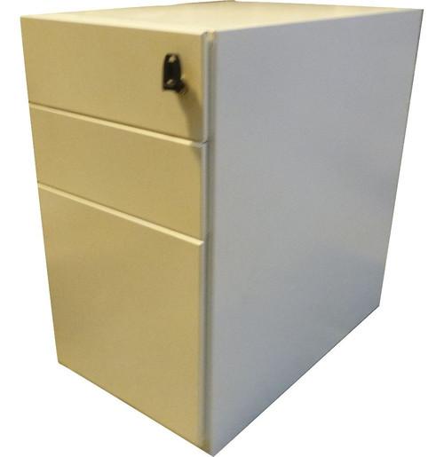 White Metal Pedestal (9C4-2FE-6DB)