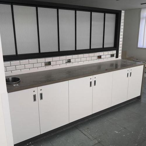 Complete Kitchen (F89-2F0-237)