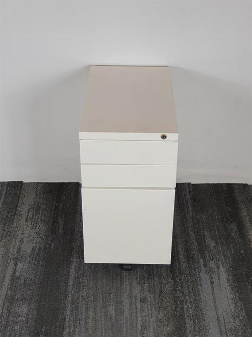 White Metal Pedestal (LPOR-1731-20210902204555)