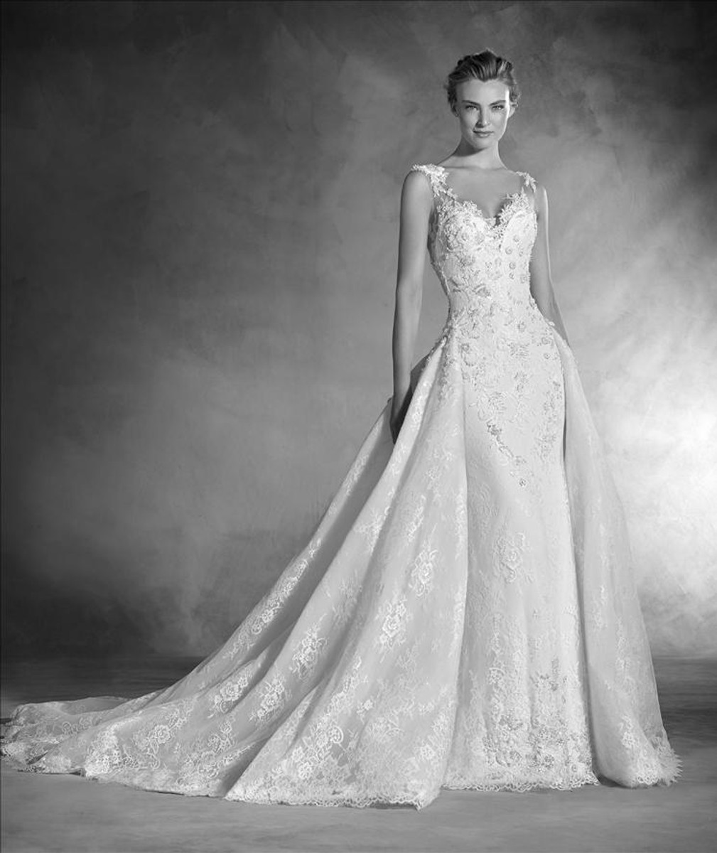 3c5039288b7 Pronovias Wedding Dress Novela