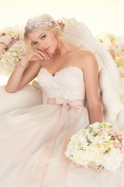 Essense of Australia Wedding Dress Style D1702