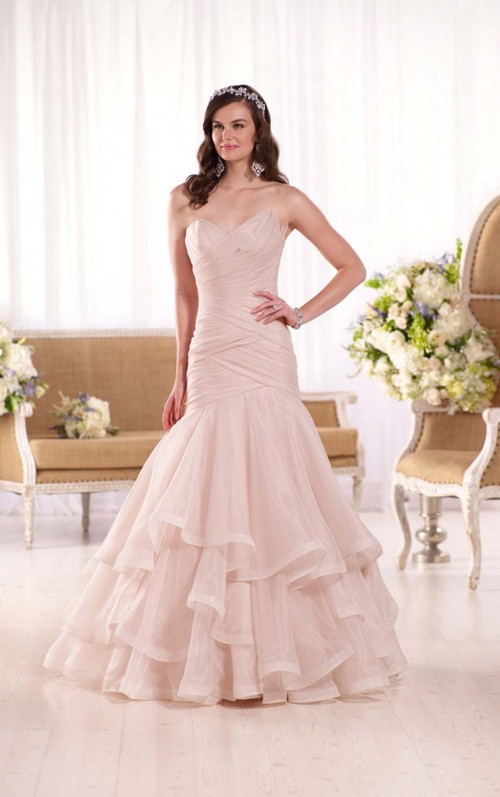 Essense of Australia Wedding Dress Style D2088