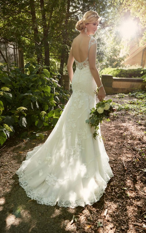 Essense of Australia Wedding Dress Style D2002