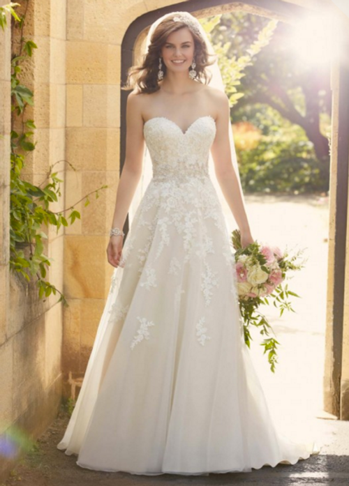 Essense of Australia Wedding Dress D2000