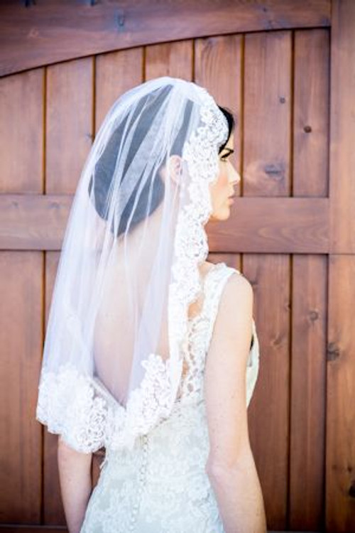 Justine M Couture Tilly Veil