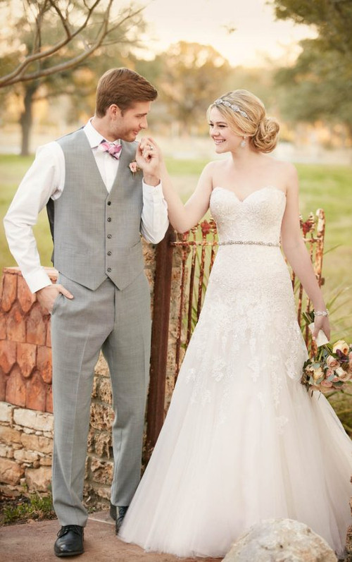 Essense of Australia Wedding Dress D2122