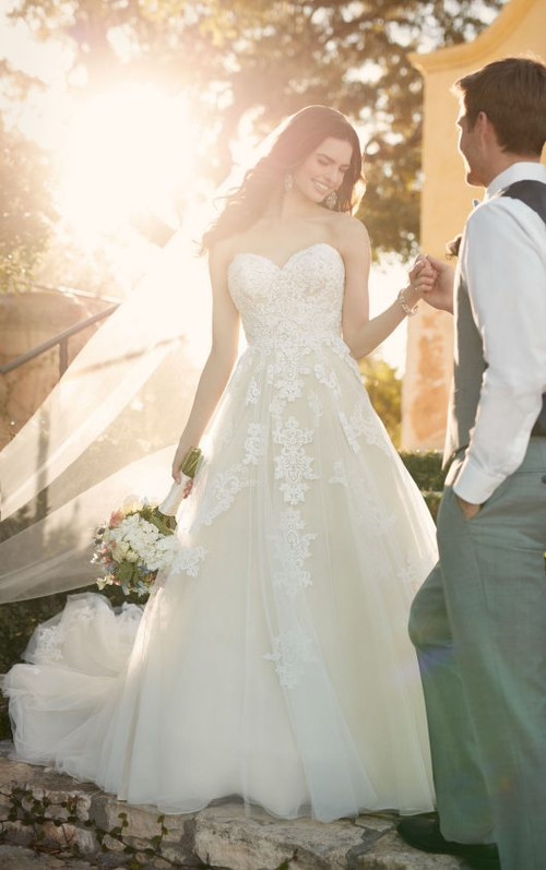 Essense of Australia Wedding Dress D2121