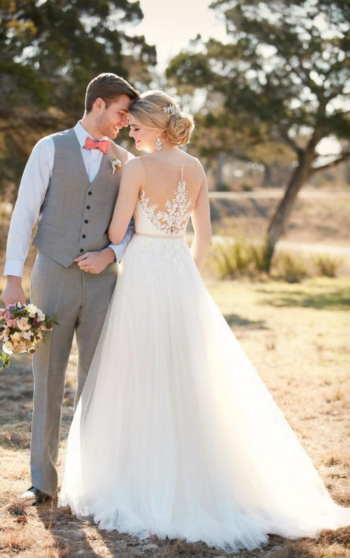 Essense of Australia Wedding Dress D2085