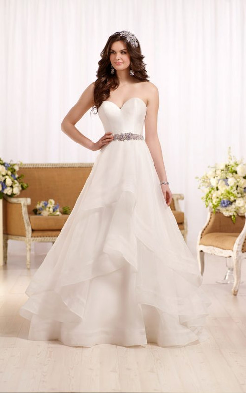 Essense of Australia Wedding Dress D2086