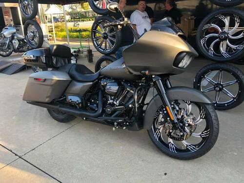 Harley Davidson Black Contrast Wide Tire Front Wheel -Slasher