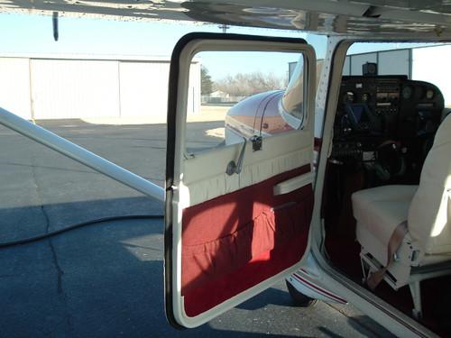 Front entry door seal each, Cessna 150, 152, 170, 172, 175, 180, 182, 185, 205, 206, 207, 210, 336, 337,  ADS-C1401