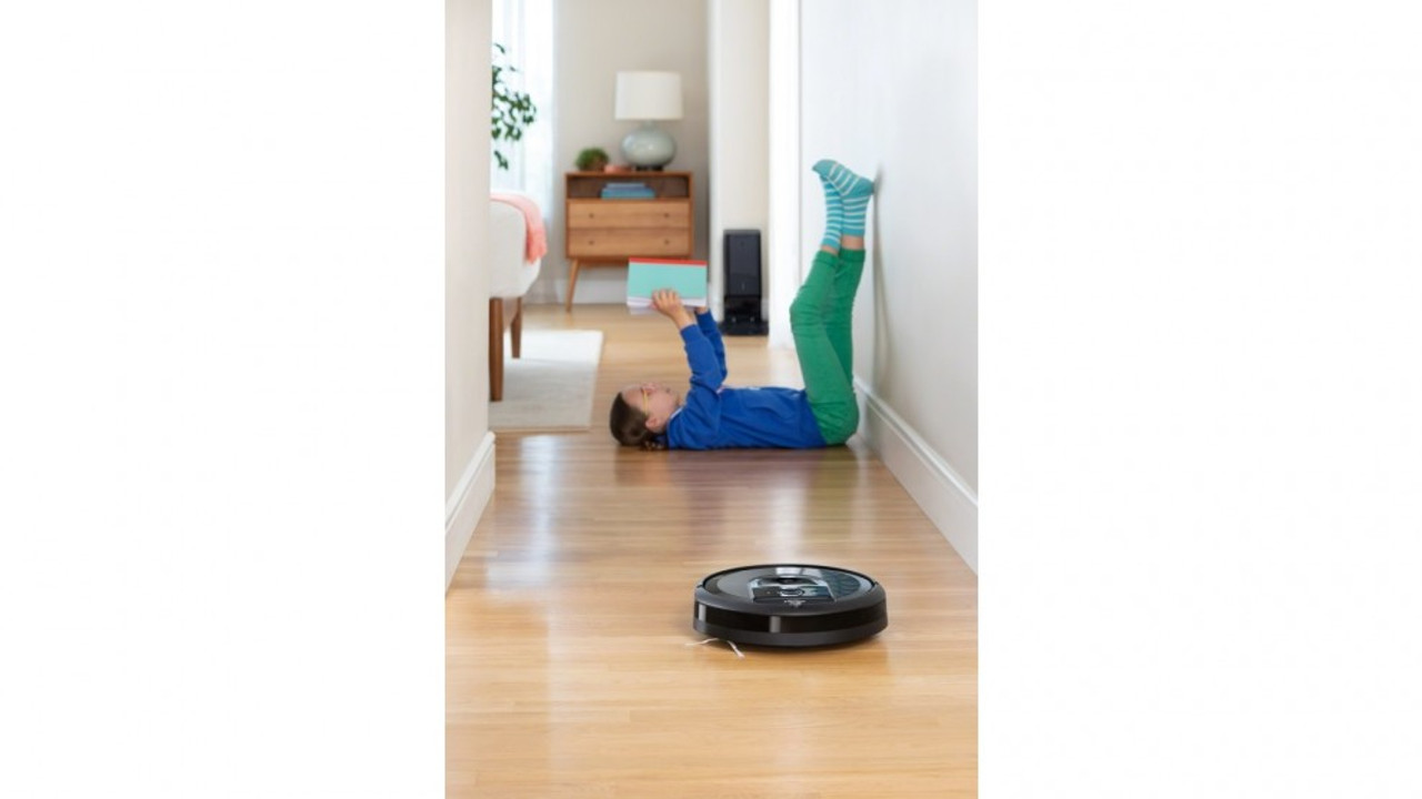iRobot i7+ Roomba Wi-Fi® Connected Robot Vacuum with Automatic Dirt Disposal