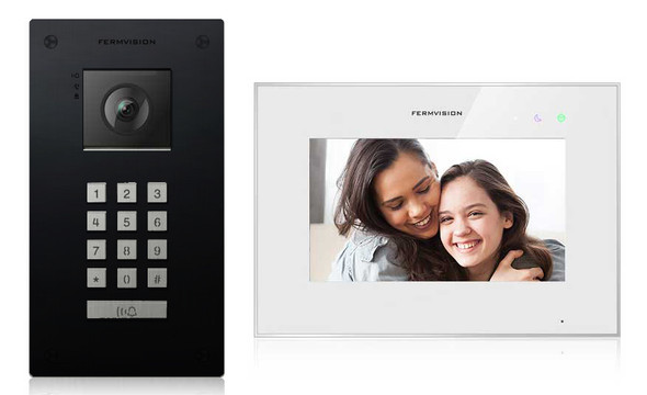 Qseries 2-Wire Video Intercom w. Black Keypad Flush Kit