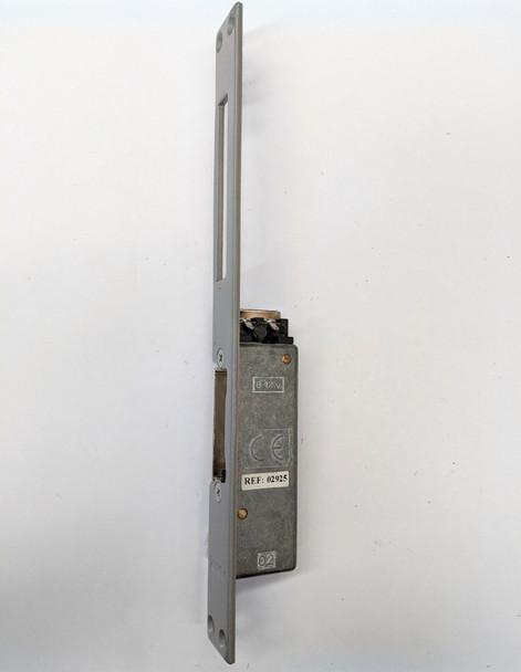 12Vac 300 Series Flush Mount w. Unlocking Lever Long Shield