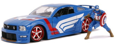 Captain America - 1:24 2006 Ford Mustang GT Die Cast Car