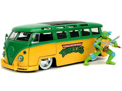 Teenage Mutant Ninja Turtles - 1:24 1962 Vw Bus with Leonardo Hollywood Ride Die Cast Car