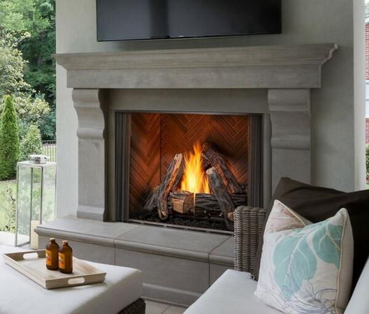 Majestic 42-inch Courtyard Outdoor Gas Fireplace - Premium Herringbone