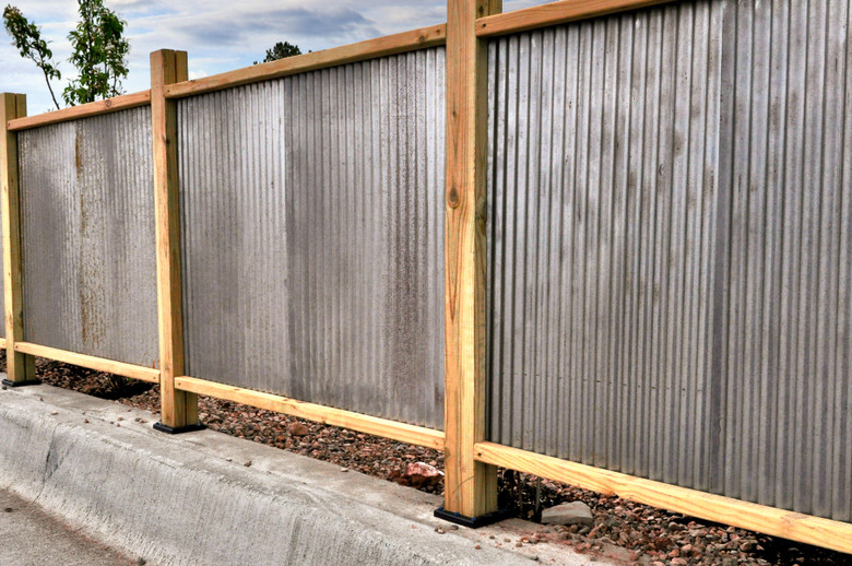3 Ways to Use Corrugated Metal for Fencing