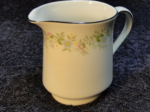 Johann Haviland Bavaria Forever Spring Creamer | DR Vintage Dinnerware and Replacements
