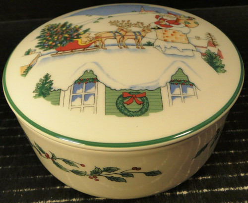 Nikko Happy Holidays Accent Bowl w/ Lid Round Box Christmas Tree Japan | DR Vintage Dinnerware Replacements