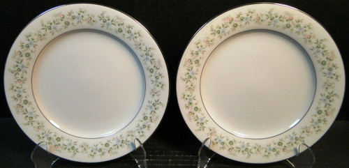 """Noritake Savannah Dinner Plates 10 1/2"""" 2031 Green Floral Set of 2 
