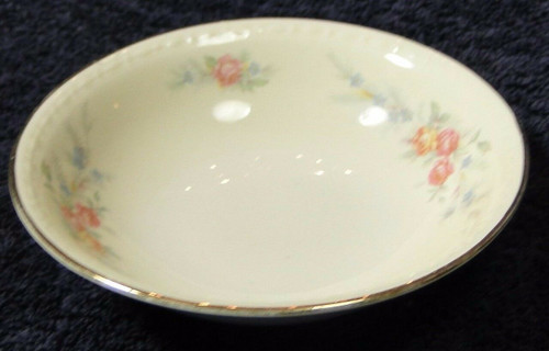 Homer Laughlin Eggshell Georgian Cashmere Berry Bowl 5 1/4"