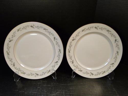 "Royal Jackson Bridal Wreath Dinner Plates 10 1/4"" Set of 2 Excellent"