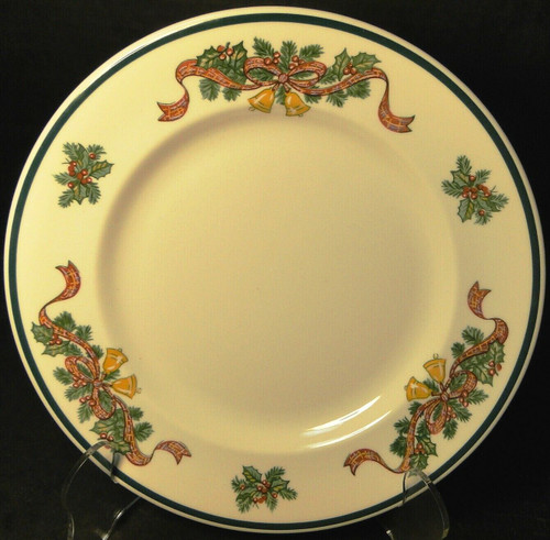 Johnson Brothers Victorian Christmas Salad Plate 7 3/4 England Excellent