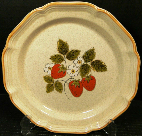 """Mikasa Strawberry Festival Dinner Plate 10 3/4"""" EB 801 