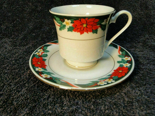 Tienshan Deck the Halls Tea Cup Saucer Set Christmas Poinsettia | DR Vintage Dinnerware and Replacements