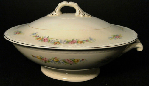 Homer Laughlin Georgian G3523 Casserole Covered Dish Pink Roses | DR Vintage Dinnerware and Replacements