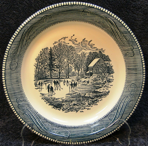 """Royal China Currier Ives Blue White Pie Plate 10"""" Early Winter Excellent"""