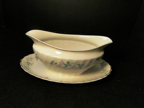 Syracuse China Clover Gravy Boat with Attached Underplate | DR Vintage Dinnerware Replacements