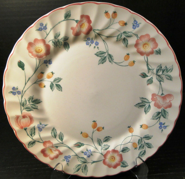 """Churchill Briar Rose Dinner Plate 10"""" England 
