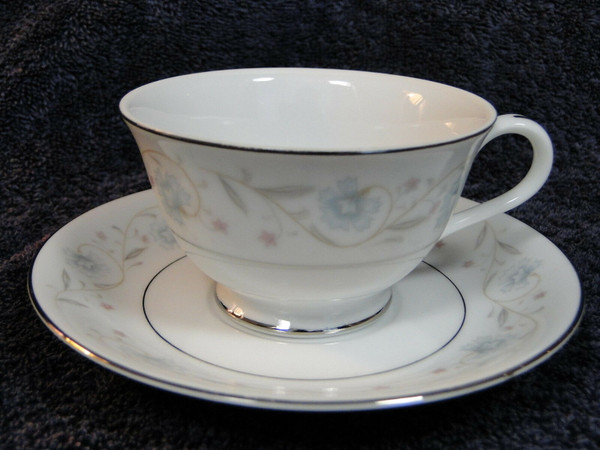 Fine China of Japan English Garden 1221 Footed Tea Cup Saucer Set | DR Vintage Dinnerware and Replacements