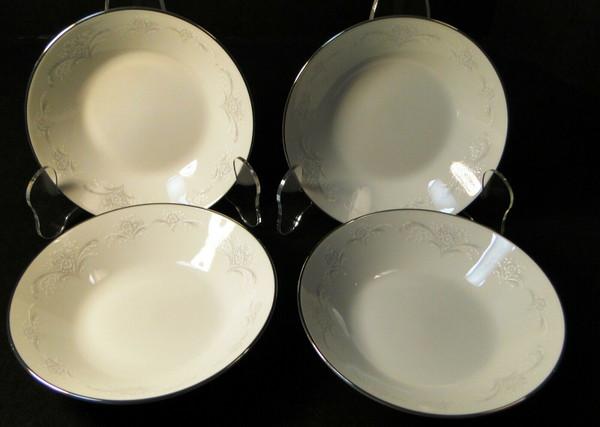 "Noritake Casablanca Berry Bowls 5 1/2"" 6127 Fruit Dessert Set of 4 | DR Vintage Dinnerware and Replacements"