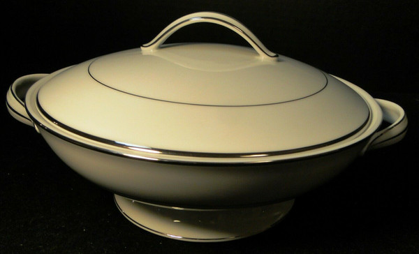 Noritake Envoy Casserole Covered Dish Lid 6325 White Platinum Trim | DR Vintage Dinnerware and Replacements